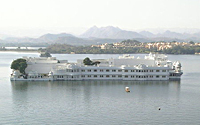 lake palace, udaipur, rajasthan, india